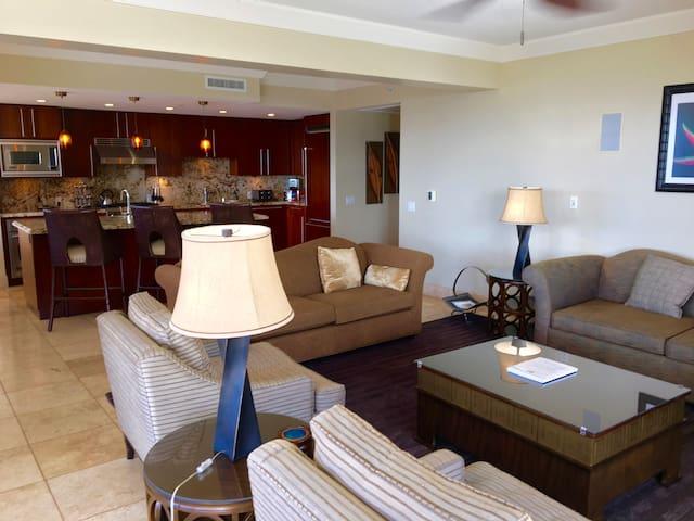 Premium Big 3 Bedroom BEACHFRONT and OCEAN VIEW - Lahaina - Lyxvåning