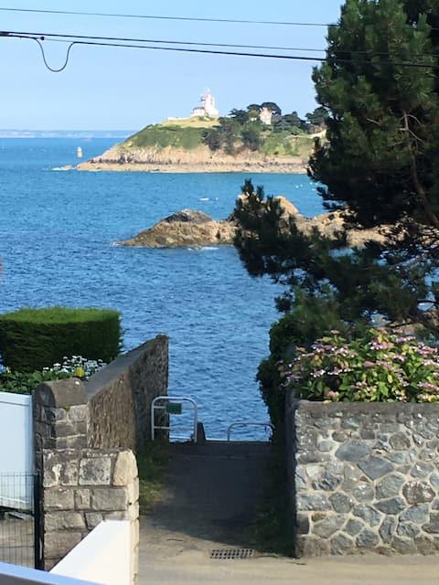 Au Cœur de St Quay en Front de mer et terrasse sud
