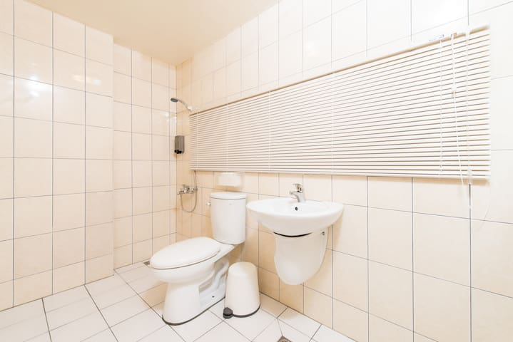 舊巷家-乾淨舒適-雙人房-獨立衛浴