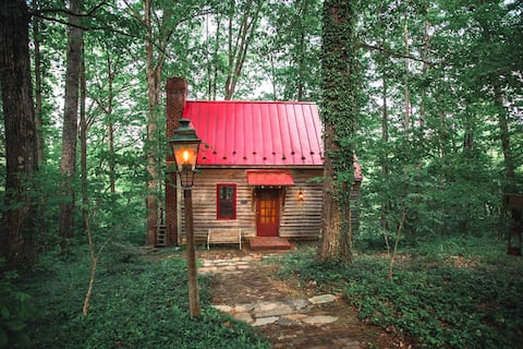 Cozy and Private Riverfront Cabin on 50 Acres