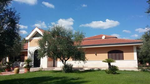 Masseria Chiomenti - Huvila ja uima-allas