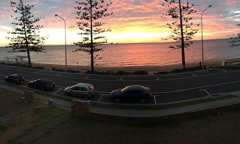 Peaceful Sunrise Beachfront Unit