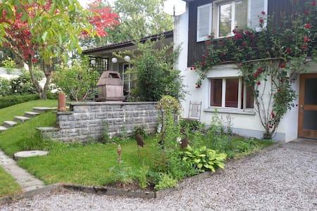 Freistehendes Haus, Seesicht, - Kesswil