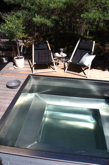 Wooden heated stainless hot tub