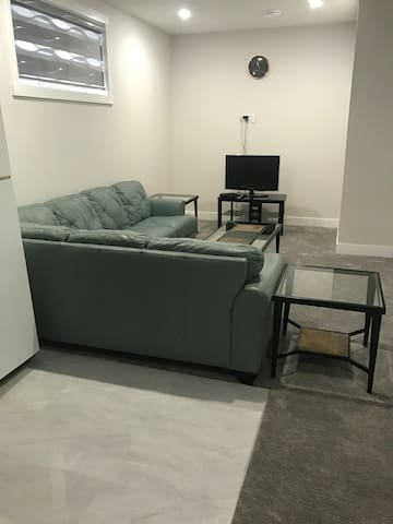 Newly built and spacious.furnished, WiFi &cable tv