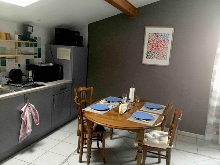 Studio indépendant 30 m2 au calme, vue et confort