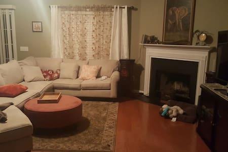 Deborah's Home - Pooler