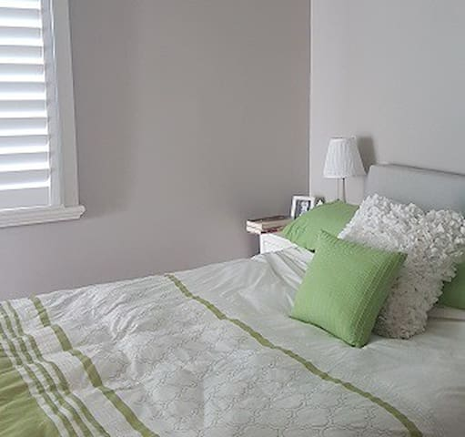 1 Bed Renovated Qlder home in Woolloongabba
