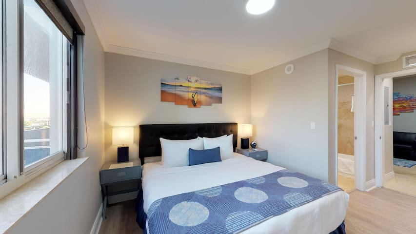 Nuvo Suites Hotel - Executive King Suite