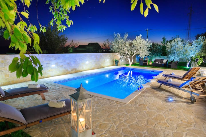 New villa with pool! Villa Mediterraneo - Kaštel Sućurac - Villa