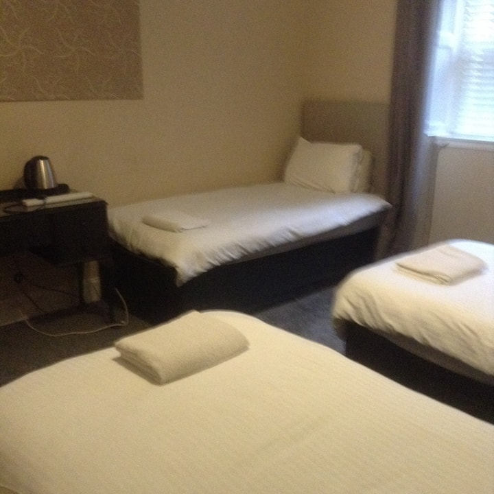 Hazels guest house (city centre) room 3