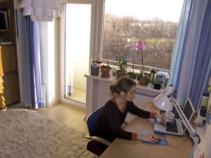 Ein Zimmer in Studentenwohnheim