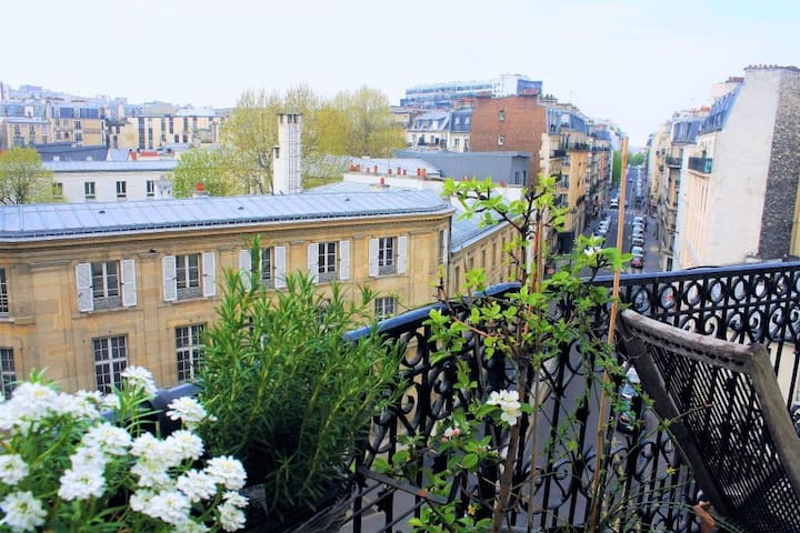 Lovely nest vith view and balcony, Montmartre area - Paris - Lägenhet