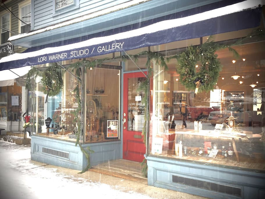 The Gallery storefront during Winter Holiday season in Chester