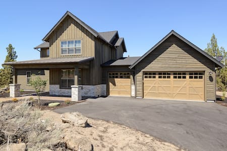 Brand New Modern Brasada Ranch 5 Bed Luxury Home