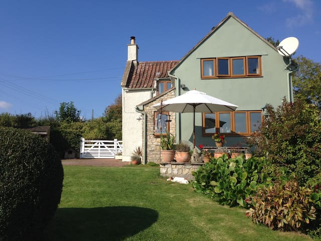 Quiet country cottage, close to Bristol & Bath - Winford - Huis