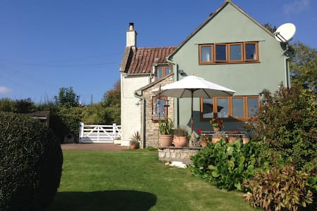 Quiet country cottage, close to Bristol & Bath - Winford - Rumah