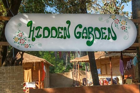 Hidden Garden Hut 5