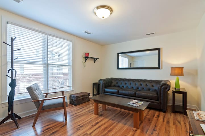 Comfy and Convenient Southside  2 Bedroom Apt.