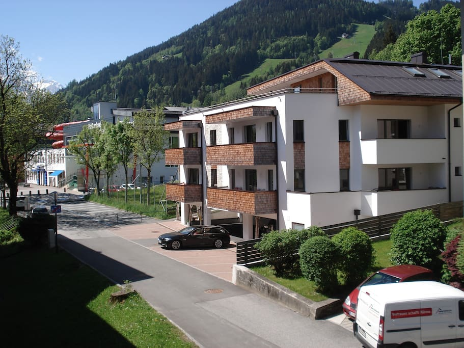 Living sch nwies apartment appartementen te huur in zell for Living room zell am see