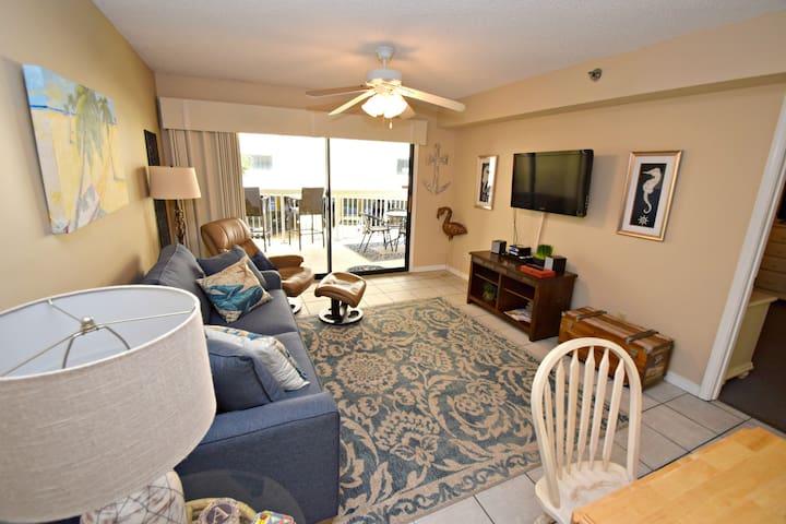 Screen,Room,Indoors,Living Room,Flooring