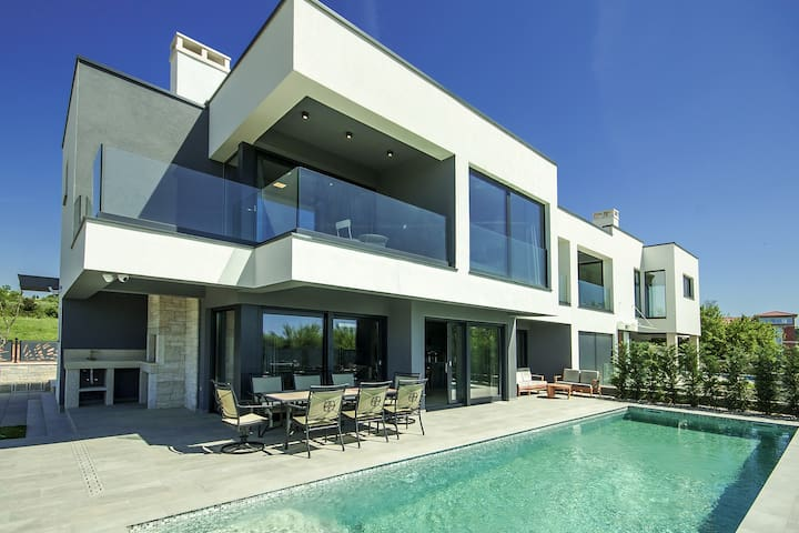 Modern holiday home Villa Rose