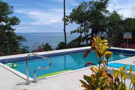 Apartamentos Vista Del Mar y Montaña Playa Hermosa