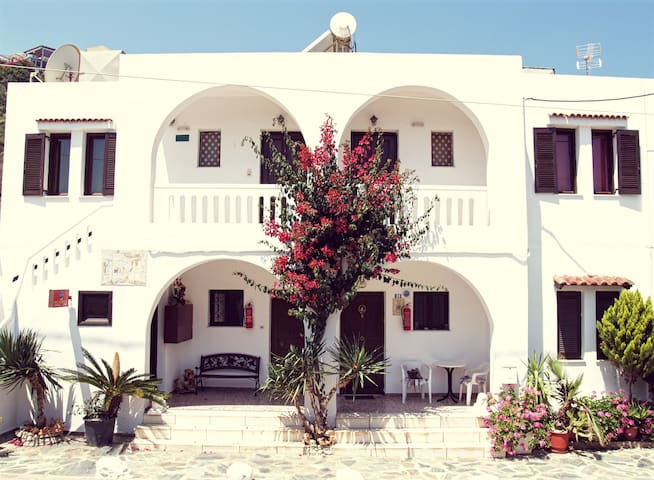 Cozy Traditional Studio Oliaria N2 - Platanias - Apartment