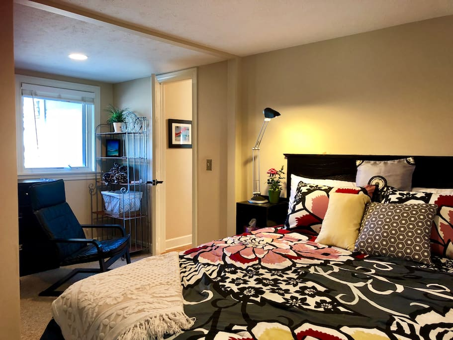 5/23/18 as of today, the private guest bedroom has been upgraded from a bedroom with double size mattress to a brand new Queen size memory foam mattress in a more spacious two door bedroom.  Room has  a computer desk with chair and an extra comfy leather chair