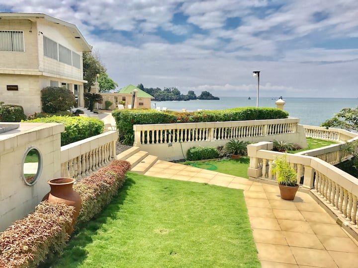 Luxury 10 Bedroom Beach House, Limbe, Cameroon.