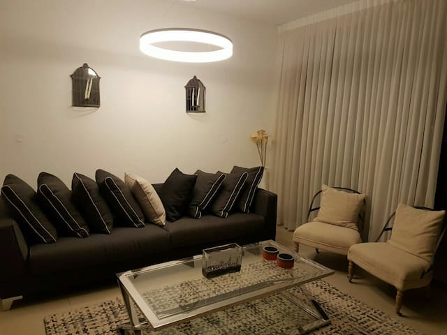 A room in a fancy apartment with breathtaking view - Ramat Gan - Apartamento