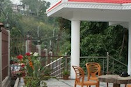 The Birds View@View Rooms - Cuckoo & Nightingale - Kalimpong - Bed & Breakfast