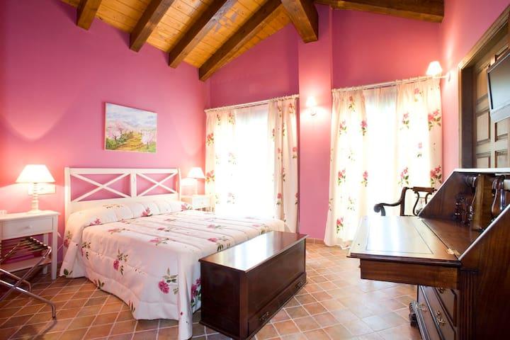 Hotel Rural El Pilaret