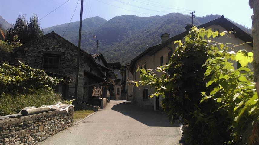Cà di Noni - Gordevio - Haus