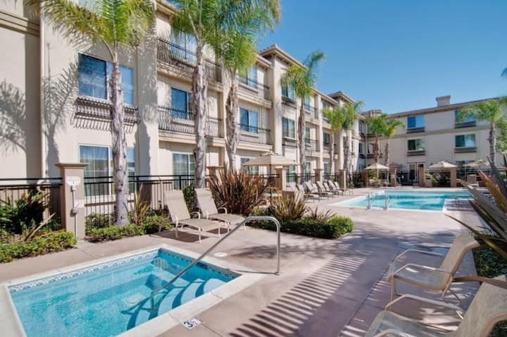 Gorgeous Suite Double Bed Non Smoking At Carlsbad - Oceanside