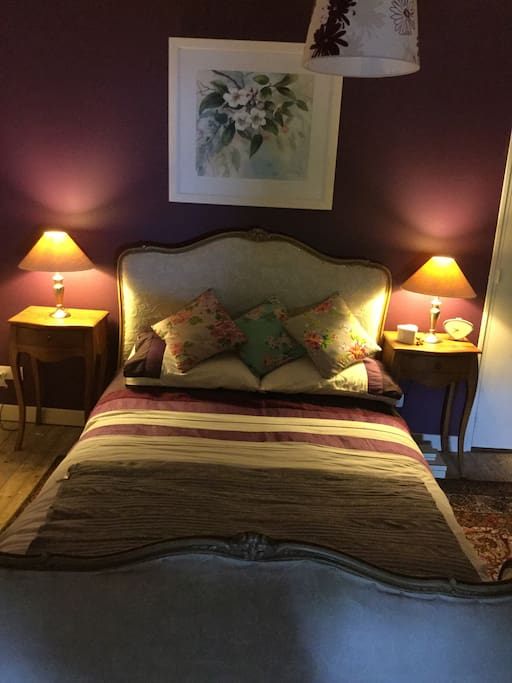 Large double room with beautiful french furniture.