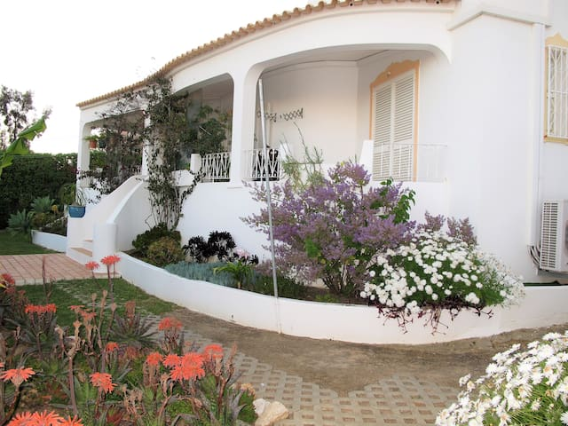 3 bedroom villa near Salgados beach in Albufeira - Guia - Vacation home