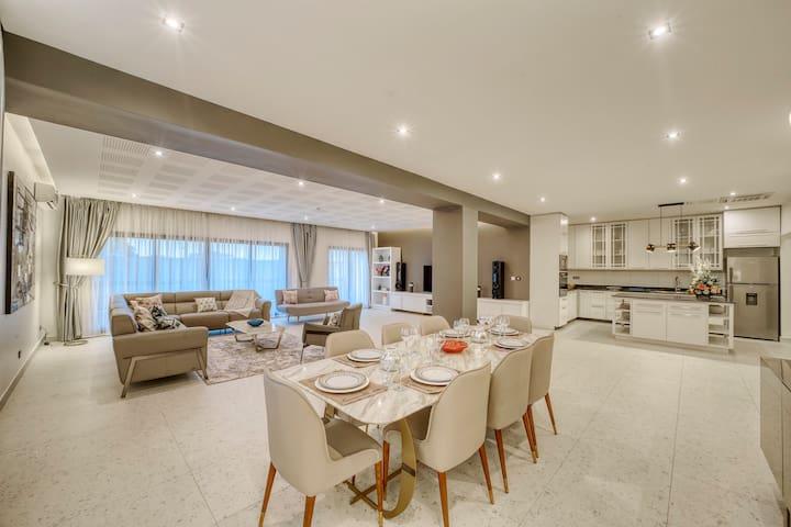 Harare : Luxueux appartement 2CH à Regina Home