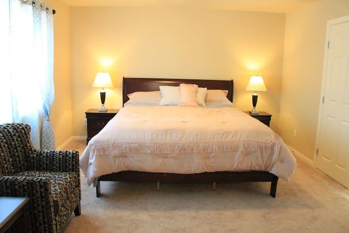 主人房超大双人床   Master room extra large double bed