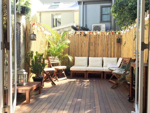 Private room streatly for females only - Surry Hills - Maison