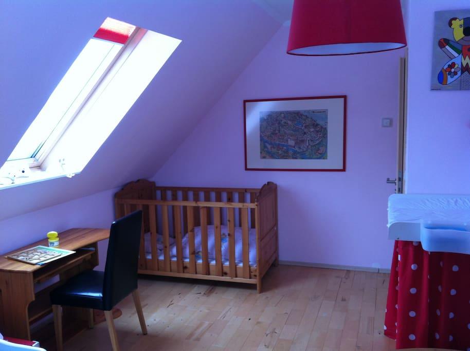KInderzimmer zusätzliches Kinderbett