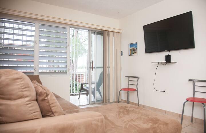 Apartment Walking Distance Montones Beach, WIFI