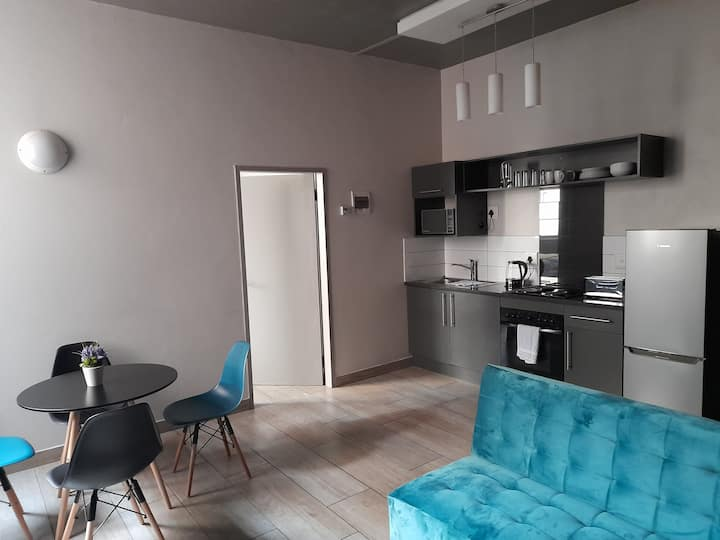 Luxury 1Bed Opposite Woolies on Gandhi Square+Wifi