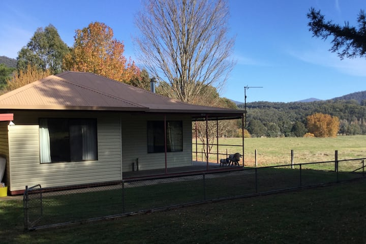 Mitta Mitta Home with a View - free wifi