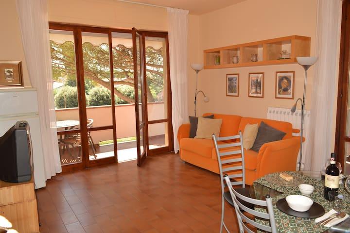 Montecatini grazioso appartamento e bel terrazzo