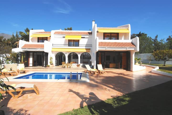 Villa Atlantida