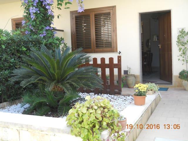 camera in villetta a schiera - Belvedere - Adosado