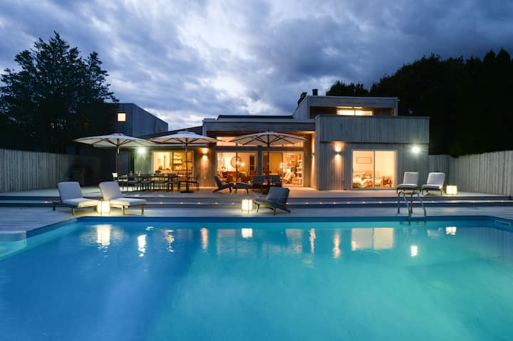 Idyllic Hamptons Retreat with pool and tennis