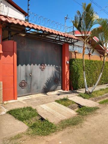 Apartamento para vacacionar en Ujarrás de Cartago