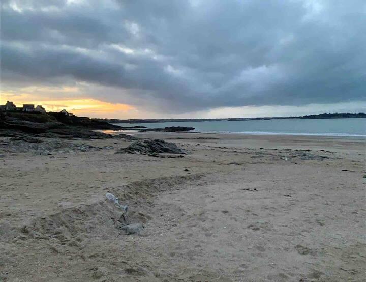 Lancieux bel appart a 5min a pied de la plage S